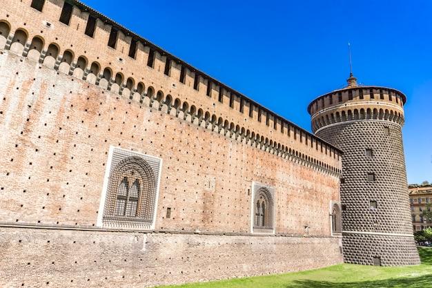 イタリア、ミラノのスフォルツァ城の詳細