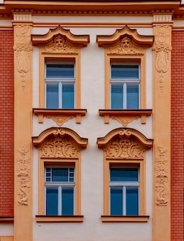 チェコ共和国プラハの伝統的な建物の詳細