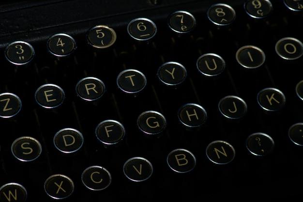 過去のタイプライターのキーの詳細