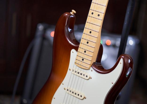 우아한 일렉트릭 기타의 상세 사진