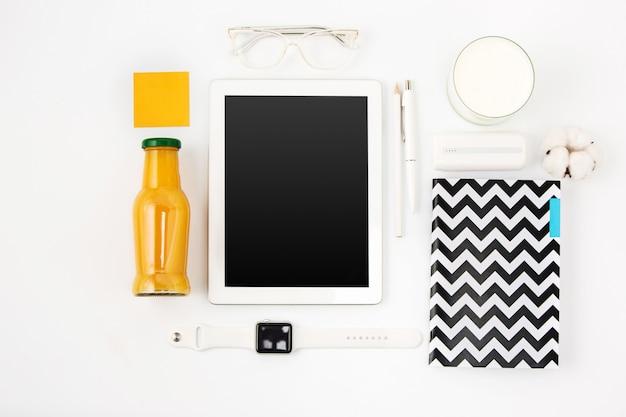 Detox drink, tablet, case and glasses