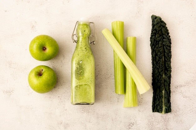 Detox smoothie with green apples and kale leaves. detox, dieting, clean eating.
