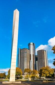 디트로이트, 미국 2019 년 11 월 2 일 : 디트로이트 다운타운 하트 플라자의 철탑 조각