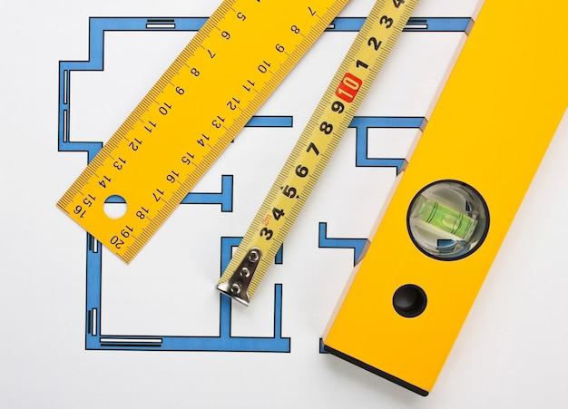 グラフ用紙上の開発図面とツール