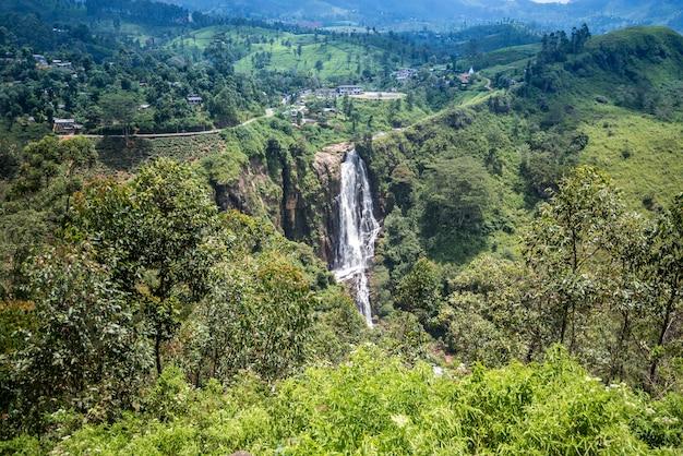 Devon waterfall, sri lnaka