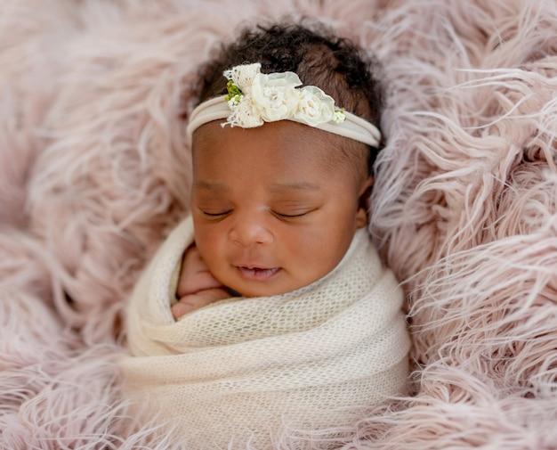 Diademの女の赤ちゃん