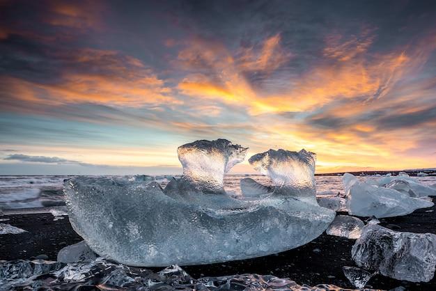 アイスランドのダイヤモンドビーチ Premium写真
