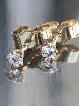 Серьги-гвоздики с бриллиантами пуссеты с прозрачными камнями, белое золото