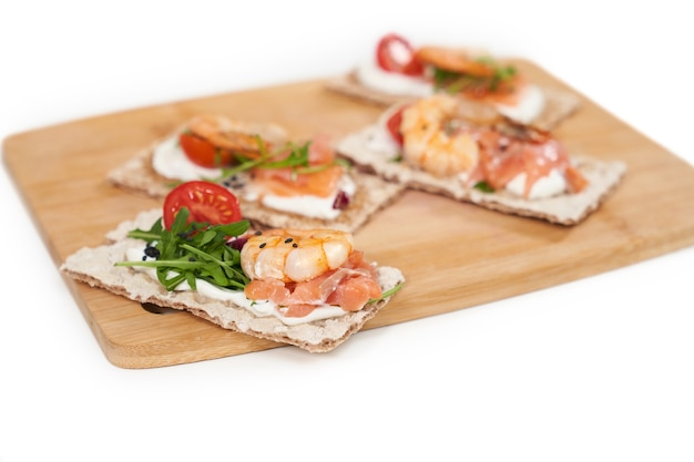 Diet breads with seafood for weight maintenance