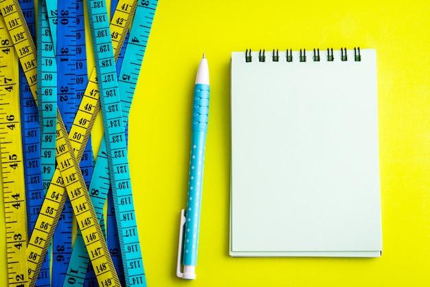 다이어트 제어 개념 background.healthy 피트 니스 배경입니다.