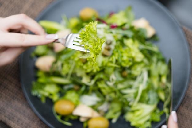Меню диеты для похудения. низкокалорийный салат для здорового образа жизни и фитнеса