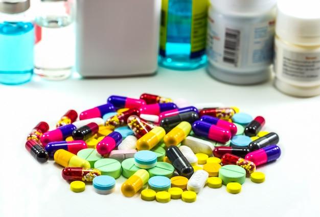 Diferent tablets pills capsule heap mix.