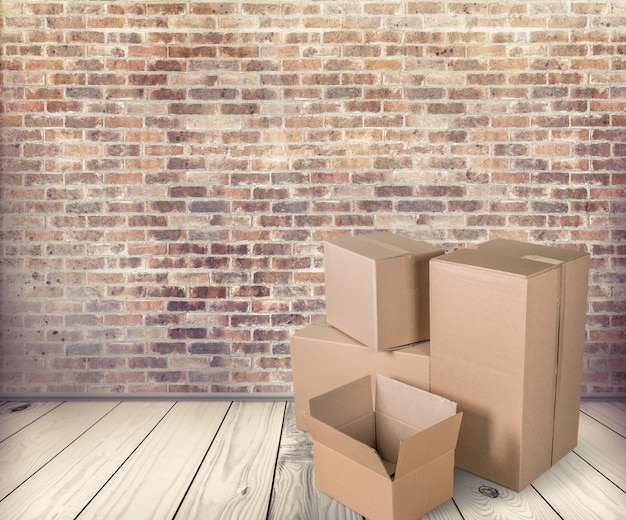방에 다른 판지 상자