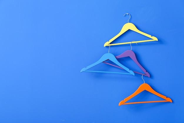 Вешалки для одежды разные