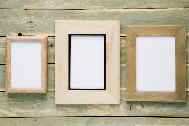 Different dimensions frames with empty space