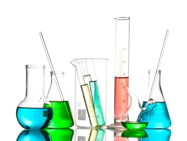 색 액체와 반사 흰색 절연 다른 실험실 유리