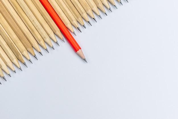 다른 연필 눈에 띄는 쇼 리더십.