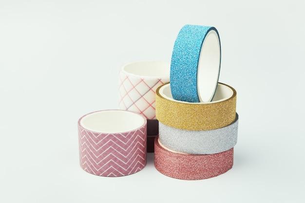 装飾テープのさまざまなロール