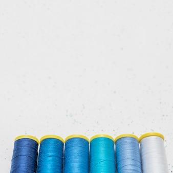 Telaio di fili diversi con angolo alto dello spazio della copia