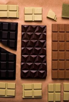 공예 종이에 초콜릿 바의 종류. 위에서 보기