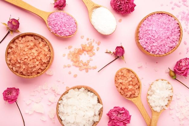분홍색에 장미와 소금의 종류.