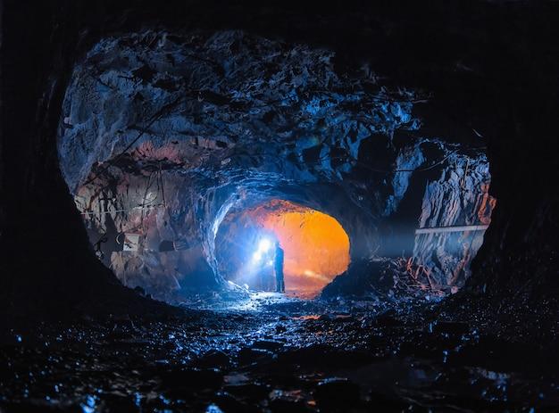 Diggers in a big cave