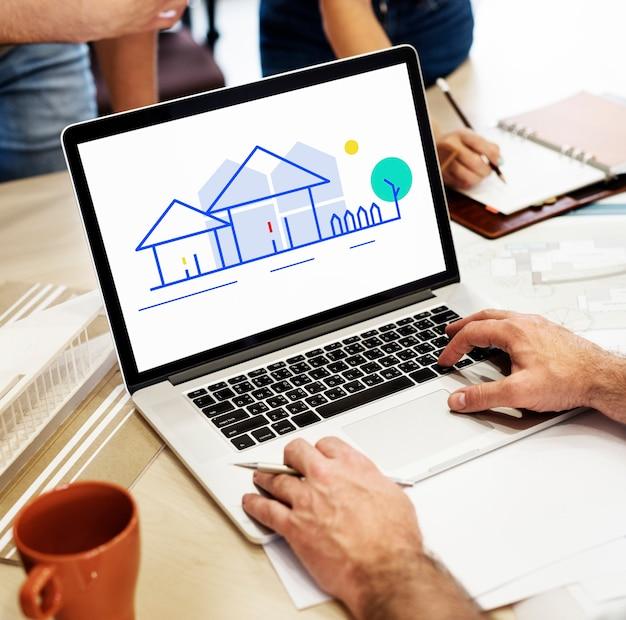 Цифровой дизайн на ноутбуке в офисе