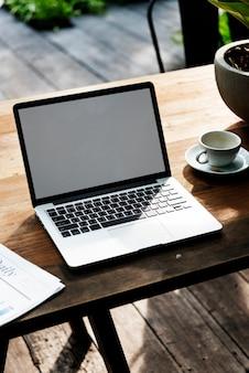Концепция макета ноутбука цифрового устройства