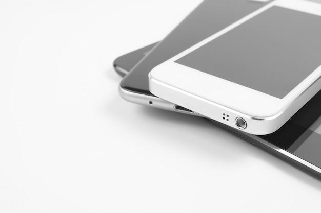 디지털 태블릿 및 스마트 폰. 전자 기기
