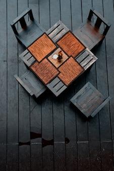 Обеденный стол на открытом воздухе
