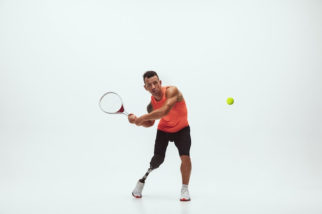 흰색 바탕에 장애인 선수, 테니스 선수