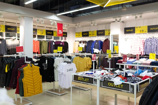 Discounted clothing store with a large assortment