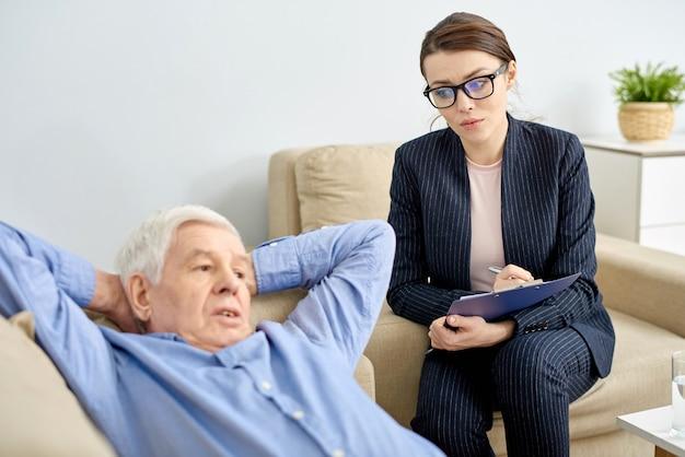 Discussing problem with senior patient