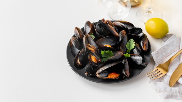 Dish of healthy mussels
