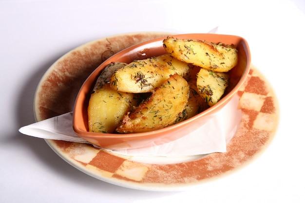 Блюдо с картофелем