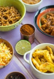 석회 및 가루 주변 요리