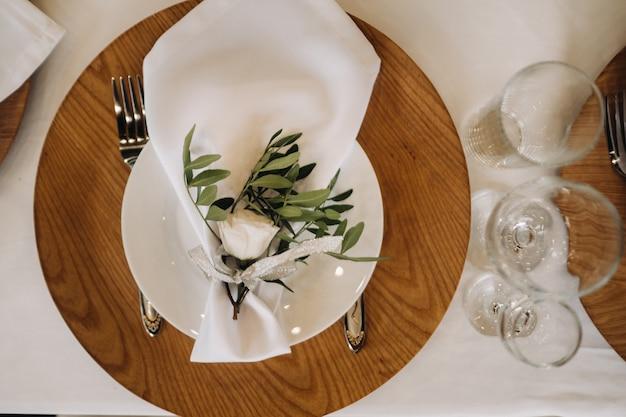 結婚式のテーブルの料理、休日のダイニングテーブルの装飾