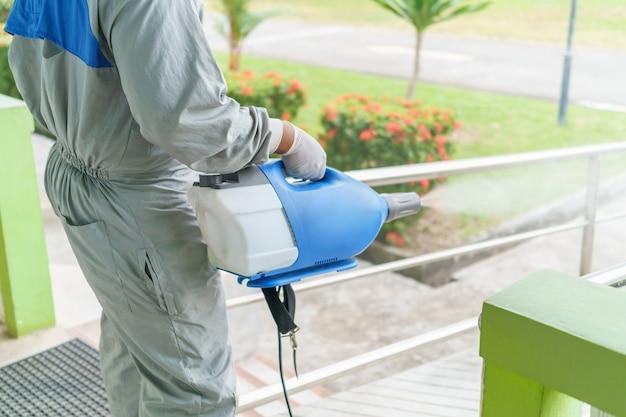 표면의 물체에 부착되는 살균 스프레이 어 및 세균.