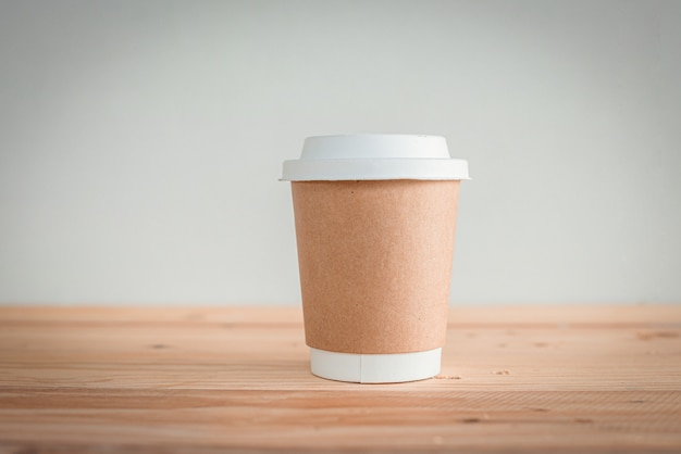 Disposable coffee cup with lid. coffee to take away.