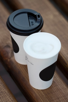 일회용 종이컵 커피