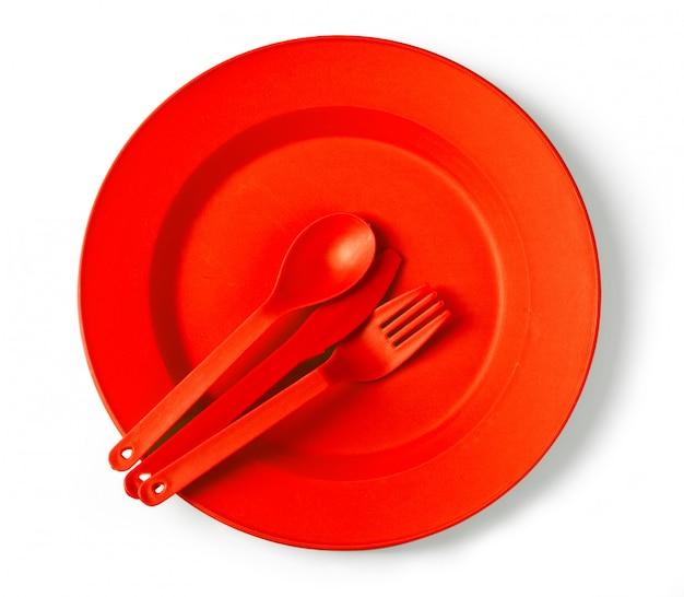 Одноразовая посуда на белом