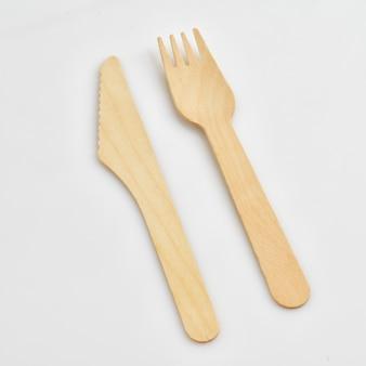 Одноразовые деревянные вилка и нож