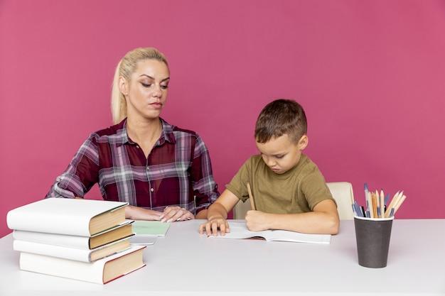 検疫時に自宅で母親との距離宿題。