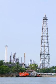 Distillation tower