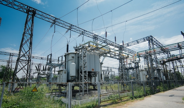 Distribution of electric energy at a big substation