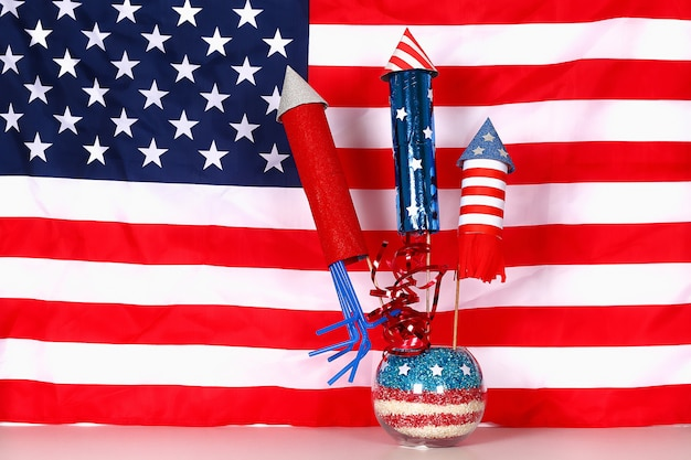 Diy 4 июля декор цвет американский флаг, красный, синий, белый. идея подарка, декор день независимости сша
