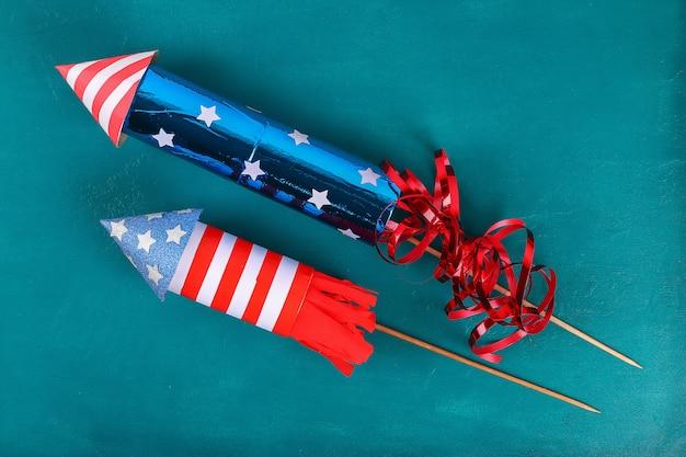Diy 7月4日ペタードトイレの袖、紙、厚紙の色アメリカ国旗赤青白