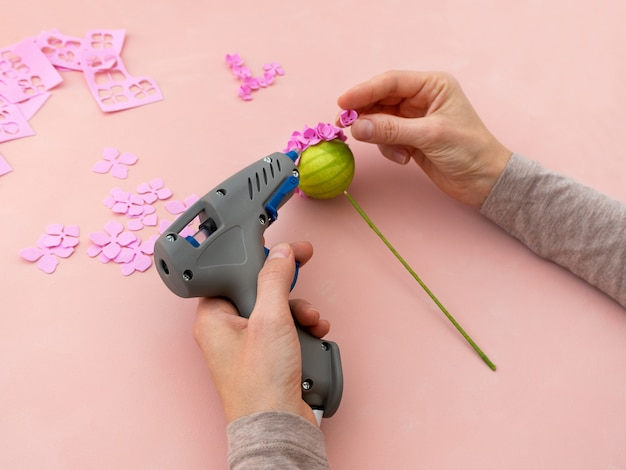 Diy instruction. making flowers from foamiran. craft tools and supplies. step 4