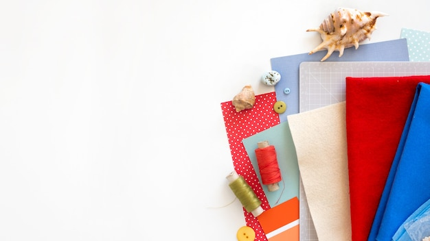Diy 지시. 단계별 자습서. 여름 장식 만들기 - 펠트로 만든 불가사리 로프 화환. 공예 도구 및 용품. 배너, 복사 공간