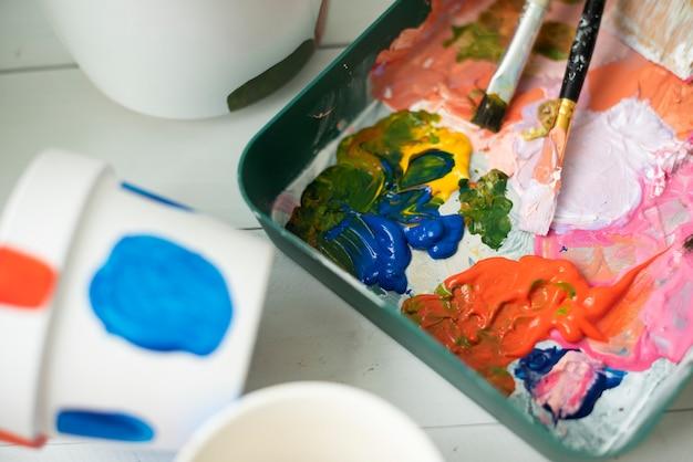 Hobby di pittura in vaso fai da te a casa